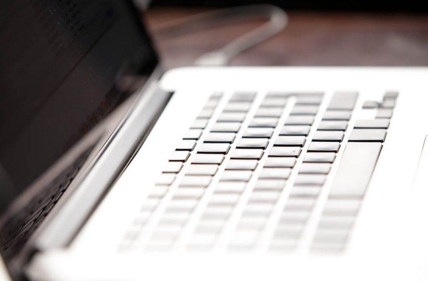 Comprar Ordenador Portátil sin sistema operativo instalado (2021)